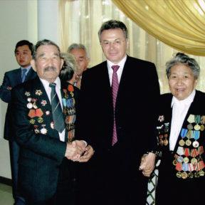 Jour de la victoire. La légendaire famille Baybatchin - tous deux combattus sur les fronts de guerre, vivent ensemble depuis 70 ans