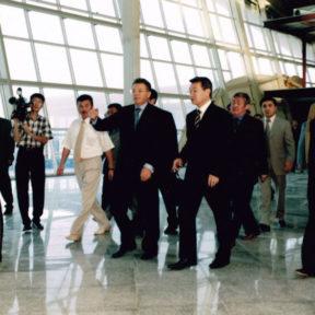 Инспекционная поездка премьер-министра РК Д. Ахметова за ходом строительства терминала