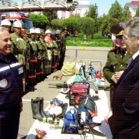 Minister of Emergency Situations V. Khrapunov inspects the readiness of the fire services of the city of Taraz