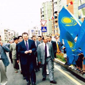 Открытие бульвара им Мендыкулова 2000 год