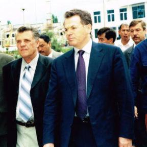 Открытие бульвара им Мендыкулова с участием вдовы Мендыкулова 2000 год