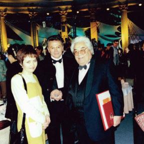 С Е. Серкебаевым, Народным артистом СССР на фестивале «Алматы – моя первая любовь»