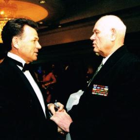 Mit N. Shalov, Vorsitzender des Veteranenrates von Almaty