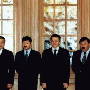 С. Калмурзаев, Б. Утемуратов, В. Храпунов, Т. Досмуханбетов