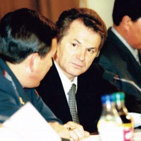 В Храпунов на совещании с участковыми инспекторами полиции 18 октября 2000 года
