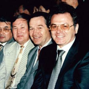 В. Храпунов, Н. Баев, Б. Сапарбаев, С. Калмурзаев