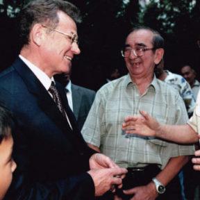 Встреча с населением по месту жительства мкр Орбита 2004 год