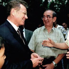 Встреча с населением по месту жительства мкр. Орбита 2004 год