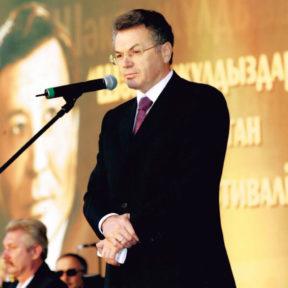 Выступление на церемонии открытия фестиваля кино «Звезды Шакена», г. Алматы