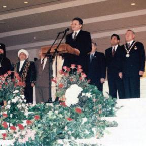 Выступление В. Храпунова на церемонии проводов государственных символов Казахстана в новую столицу Астану, 1997 г.
