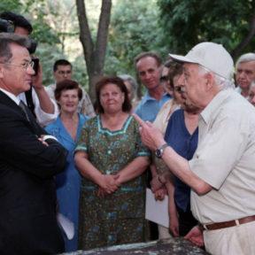 С жителями Ауэзовского района