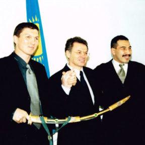 C олимпийскими чемпионами по боксу В. Жировым и Б. Ибраимовым