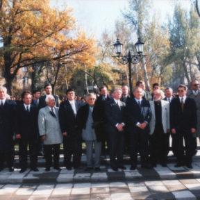 Церемония открытия памятника А. Пушкину в честь 200 летия со дня рождения Алматы 1999