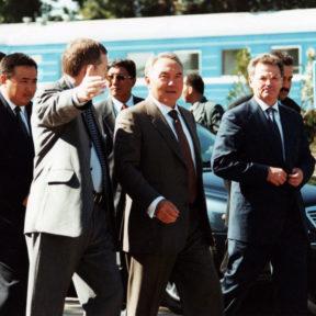 Церемония открытия вагоноремонтного завода в Алматы 2000