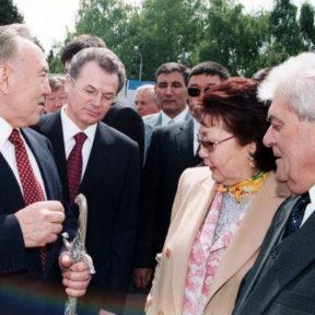 Празднование Дня Единства Народов Казахстана 2003