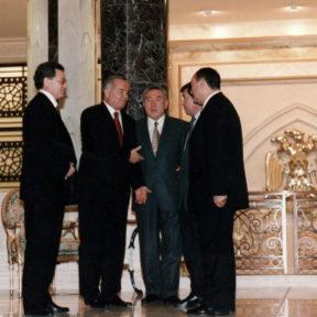 В. Храпунов, И. Каримов, Н. Назарбаев, К. Абдушев, А. Тшан г. Ашхабад 1998