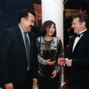 Карим Масимов с супругой поздравляют юбиляра