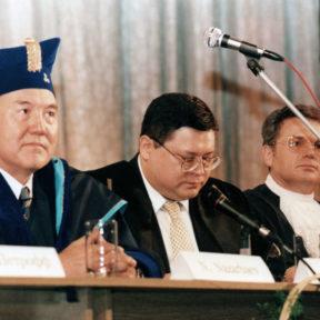 Н. Назарбаев, М. Тажин, В. Храпунов 1999