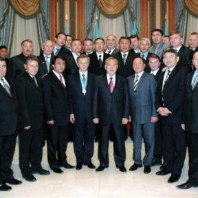 Н. Назарбаев с руководителями Восточно-Казахстанской области, Резиденция Президента, Астана 2006