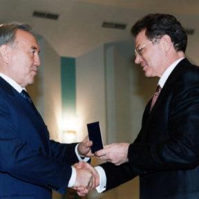 Н. Назарбаев, В. Храпунов 2002