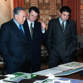 Н. Назарбаев, В. Храпунов, Н. Балгимбаев 1999