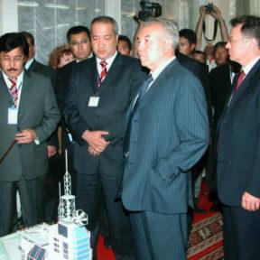 Н. Назарбаев, В. Храпунов Усть-Каменогорск 2005