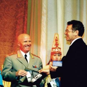 Поздравление олимпийцев Казахстана. Генерал - майор П. Новиков